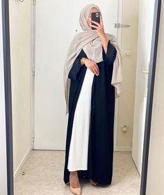 Hijab Styles 838865868083155470 - Muslim Fashion 792070653203431790 – Source by Source by Stylish Hijab, Stylish Summer Outfits, Mode Abaya, Mode Hijab, Arab Fashion, Muslim Fashion, Abaya Designs Latest, Kimono Fashion, Fashion Outfits