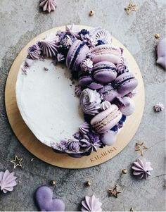 Best chocolate cake birthday decoration food ideas - Ideas for party foods - Macaron Pretty Cakes, Cute Cakes, Beautiful Cakes, Amazing Cakes, Wedding Cake Red, Wedding Cakes With Cupcakes, Cupcake Cakes, Purple Wedding, Wedding Shoes