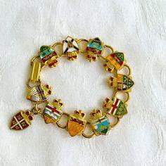 Ancien Bracelet en héraldique armoiries par VintageVogueTreasure