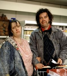 Picture shows (l-r) Kathy Burke and Harry Enfield as Wayne and Waynetta Slob (the Slobs) shopping in the supermarket Comedy Actors, Comedy Duos, British Tv Comedies, British Comedy, My Babysitter, British Humor, Great Films, Working Class, Humor