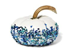 Paint a mini pumpkin white and add confetti #hgtvmagazine http://www.hgtv.com/holidays-and-entertaining/6-mini-pumpkin-makeovers/pictures/page-3.html?soc=pinterest