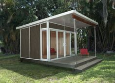 modern prefab office space made to fit in your back yard. love this