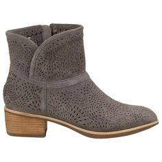 aed93175090 Pre-owned Ugg Australia Darling Seaweed Boots ( 180) ❤ liked on Polyvore  featuring