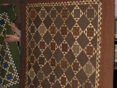 """Love this quilt.very masculine! Source: Faithful Quilter: Elaine's Journey: """"Decorating with Small Quilts"""" Part 1 Lap Quilts, Scrappy Quilts, Small Quilts, Mini Quilts, Quilt Blocks, Quilting Blogs, Hand Quilting, Machine Quilting, Quilting Designs"""