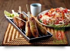 Lemongrass & Ginger Fish Skewers - Part 1 Skewer Recipes, Herb Recipes, Asian Recipes, Healthy Recipes, Vietnamese Recipes, How To Cook Fish, What To Cook, Gourmet Garden, Meal Planner
