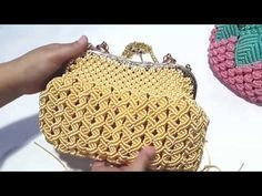 Membuat alas tas pesta dengan behel - YouTube Macrame Design, Macrame Art, Micro Macrame, Crochet Bra, Crochet Crafts, Crochet Projects, Macrame Purse, Baby Girl Crochet, Macrame Tutorial