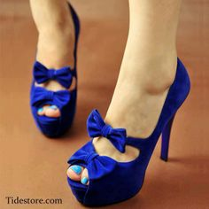Dark blue shoes with bows