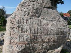 Kékfogú Harald runaköve (UNESCO Világörökség)