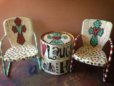 LOVE this set!!!  This could be a fun DIY. I see these chairs at yard sales often.
