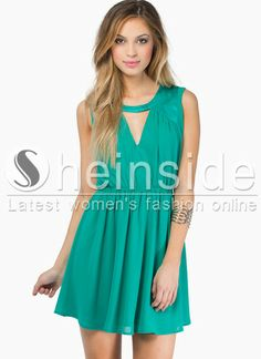 Green Round Neck Sleeveless Hollow Pleated Dress pictures