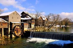 Upcoming events: Breakfast or Brunch with Santa at The Old Mill. Book your stay at Music Road Resort to enjoy this nearby tradition!