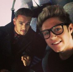 Niall and Liam selfie