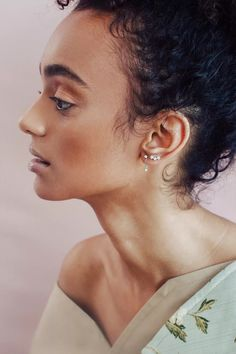 Celebrities With Nose Piercings, Guys Ear Piercings, Different Ear Piercings, Types Of Ear Piercings, Ear Piercings Tragus, Facial Piercings, Eyebrow Piercing Jewelry, Piercing Ideas, Chubby Face Haircuts