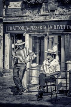 Venetian Gondoliers by Pmania 85 / Venice Travel, Italy Travel, Vintage Italy, Vintage Shops, Pizza Italia, Old Pictures, Old Photos, Trattoria Italiana, Voyage Rome