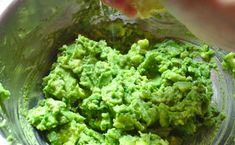 Pasta jajeczna z awokado   Słodkie Gotowanie Guacamole, Avocado, Herbs, Pasta, Ethnic Recipes, Women's Fashion, Fit, Spreads, Health