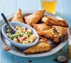 Bobotie Samoosas with Banana Salsa South African Recipes, Ethnic Recipes, Baking Recipes, Dessert Recipes, New Years Dinner, Birthday Bbq, Game Day Snacks, Retro Recipes, Recipe Search