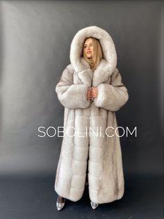 White Fox, Blue And White, Fox 11, Fur Fashion, Womens Fashion, Fox Fur Coat, Earmuffs, Mantel, Fur Hats