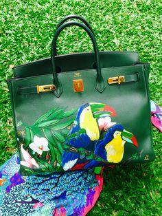 Hand painted Hermes Birkin by artist love Marie aka heart evangelista Escudero… Hermes Bags, Hermes Handbags, Hermes Birkin, Stylish Handbags, Best Handbags, Painted Bags, Hand Painted, Birken Bag, Heart Evangelista