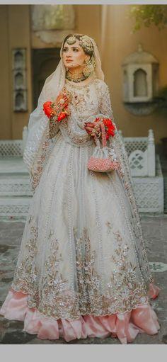 Pakistani Wedding Outfits, Pakistani Dresses Casual, Indian Fashion Dresses, Pakistani Bridal Dresses, Nikkah Dress, Shadi Dresses, Fancy Dress Design, Bridal Dress Design, Asian Bridal Dresses