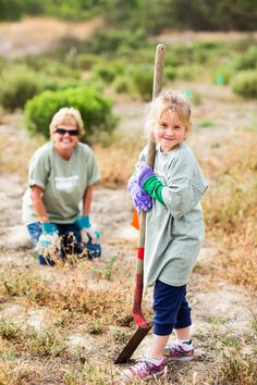 Volunteers help spruce up city trails in Carlsbad.