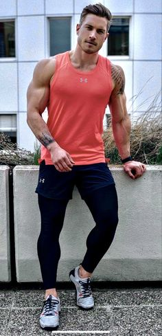 Tight Jeans Men, Muscle Men, Dumbbell Workout At Home, At Home Workouts, Beautiful Men, Sexy Men, Hot Guys, Mens Fashion, Sport Fashion