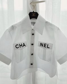 he pest pin for you, CHANEL blouse Trendy Outfits, Summer Outfits, Fashion Outfits, Fashion Trends, Fashion Bags, Fashion Shoes, Fashion Accessories, Look Fashion, High Fashion