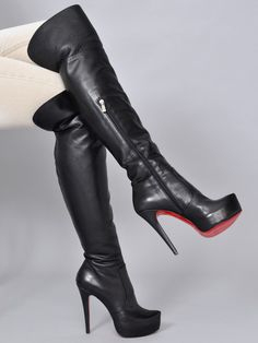 schwarze Nappa-Leder Platform Stiefel mit lederbezogenem 3 cm Plateau Absatz (heels height): von 12 cm (size 32) bis (to) 13 cm (size 46)  (abzgl. 3 cm Plateau = ab 9 bis 10 cm effektive Höhe) Schafthöhe overknee (shank length): von ca. 52 cm (size 33) bis (to) ca. 64 cm (size 46) Farbe (colour): schwarz Nappa-Leder (black genuine Nappa-Leather)