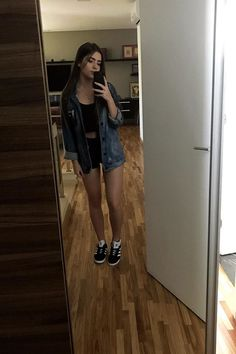Amei essa foto❤ vou fazer ela com amooo Outfits For Teens, Cool Outfits, Summer Outfits, Fashion Outfits, Womens Fashion, Gorgeous Teen, Teen Photography, Crop Top Outfits, Girl Inspiration