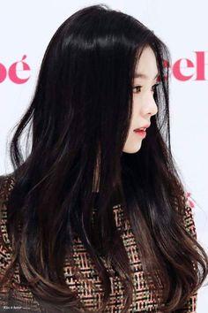 Fans think this is Irene's most attractive feature — Koreaboo Red Velvet アイリン, Red Velvet Irene, Park Sooyoung, Seulgi, Kpop Girl Groups, Kpop Girls, Korean Beauty, Asian Beauty, Black Hair Kpop