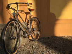 #Velo-ce Draisina Sport  #BiciClasica con un toque deportivo    #avantumbikes Cool Bikes, Bicycle, Cool Stuff, City, Hs Sports, Bicycle Accessories, Veils, Sporty, Bike