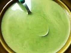 DE GULLE AARDE: brandnetel soep. Brandnetel vermindert allergische reacties en werkt ondersteunend bij artritis en artrose omdat ze ontstekingsremmend is.