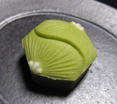 Japanese Sweets, Japanese Wagashi, Japanese Food Art, Japanese Cake, Decoration Patisserie, Asian Desserts, Happy Foods, Confectionery, Uji Matcha