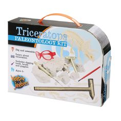 Triceratops Palaeontology Kit – Dinosaurs Galore. The ultimate Palaeontology kit with tools, safety glasses and skeleton in clay.