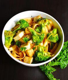 Vegan Meal Prep: Pad thai w/ Tofu