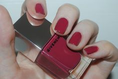 givenchy-le-rouge-a-porter-nails-rose-poudre-17-swatch