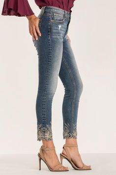 Searching for a cute, new pair of jeans? Our 'Light of Day High-Rise Ankle Skinny Jean' is exactly what you've been looking for. Shop now at Miss Me! Ripped Knee Jeans, High Waist Jeans, Skinny Jeans, Denim Fashion, Fashion Pants, Fashion Shoes, Fashion Women, Cheap Fashion, High Fashion