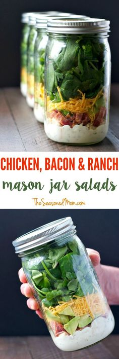 Chicken Bacon and Ranch Mason Jar Salads Layering ingredients in a jar is the most effective way to prepare a salad ahead of time and still keep everything fresh for days. Make these Chicken Bacon and Ranch Mason Jar Salads and you will have delicious and Mason Jar Lunch, Mason Jar Meals, Meals In A Jar, Mason Jars, Mason Jar Recipes, Healthy Snacks, Healthy Eating, Healthy Recipes, Essen To Go