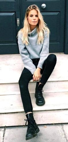 26 trajes casuales de otoo para mujer 2019 moda y estilo this is one of the cutest sweater outfits frauen mode cutest frauen mode outfits sweater Fall Outfits 2018, Winter Outfits For School, Casual Fall Outfits, Mode Outfits, Fashion Outfits, Casual Fridays, Casual Chic, 20s Outfits, Ladies Outfits