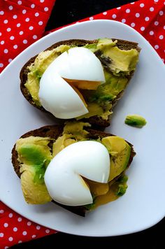 egg avocado, boiled eggs, back porches, avocado toast, toast with egg recipes, eggs and avocado, belli, vegetarian recipes, summer breakfast