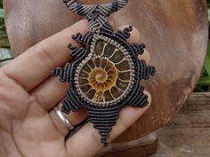 Collar Macrame, Macrame Colar, Macrame Necklace, Macrame Jewelry, Micro Macramé, Spiral Shape, Ammonite, Paracord, Brown And Grey