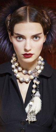 Dior chunky pearl necklace