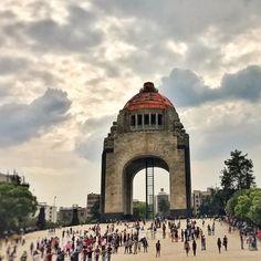 #amoryyo #paseando #ciudaddemexico #mexico #revolution #monument #myvieefrombus #minivacas #ciudaddemexico #distritofederal