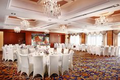 Style Banquet Hall is located on the main floor of the hotel has an elegant classic décor. It's a wonderfull place for wedding, banquet or other celebration. Style is a very comfortable place for business conference or another events. #beijingotelminsk #minsk #belarus  #city #cities #architect #conference #mice #event #meeting #banquet #wedding #style