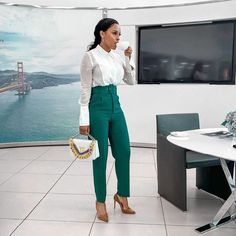 Slaying Professionally: 30 Best Office Outfits Every Lady Should Try Out-operanewsapp Stylish Work Outfits, Office Outfits, Classy Outfits, Casual Outfits, Corporate Attire Women, Corporate Fashion, Office Attire Women, Corporate Style, Workwear Fashion
