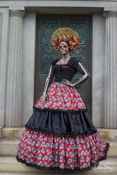 For many, today is just the day after Halloween – an end to the sugar-fueled season full of tricks and treats. But for others it marks the Day of the Dead – or Dia de Los Muertos, which originated in Mexico and is practiced by many families here and abroad. I am lucky enough to… Lee más»