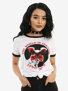 The world is turning upside down // Stranger Things Upside Down Girls Ringer-T-Shirt Stranger Things Pins, Stranger Things Merchandise, Stranger Things Upside Down, Stranger Things Aesthetic, Stranger Things Season, At Least, Cute Outfits, Just For You, How To Wear