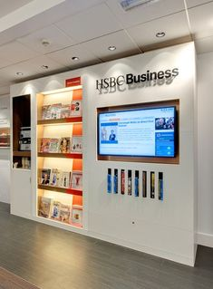 Checkland Kindleysides - HSBC - Business banking - The World's Local Busines. - Different Ideas Corporate Interiors, Office Interiors, Bank Interior Design, Office Decor, Office Walls, Banks Office, Interactive Walls, Real Estate Office, Office Branding