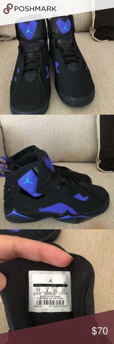 6d980371bc1 Boys size 7Y Jordans Purple and black boys Original Jordans size 7Y