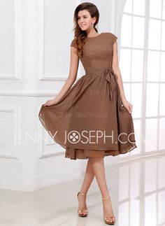 Tea-lang Chiffon dress with a belt, for bridesmaids. From JennyJoseph.  MINE!!