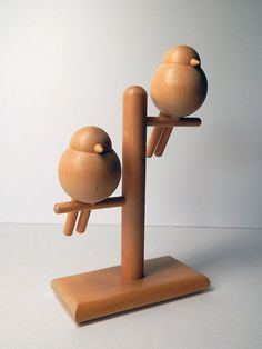 VTG WOOD BIRDS Modern Art Sculpture Aarikka Finland Wooden Desk Modernist  In original/found great condition!    Please see photos.  EMAIL ANY QUESTIONS! What is seen is exactly what is received  S1R1